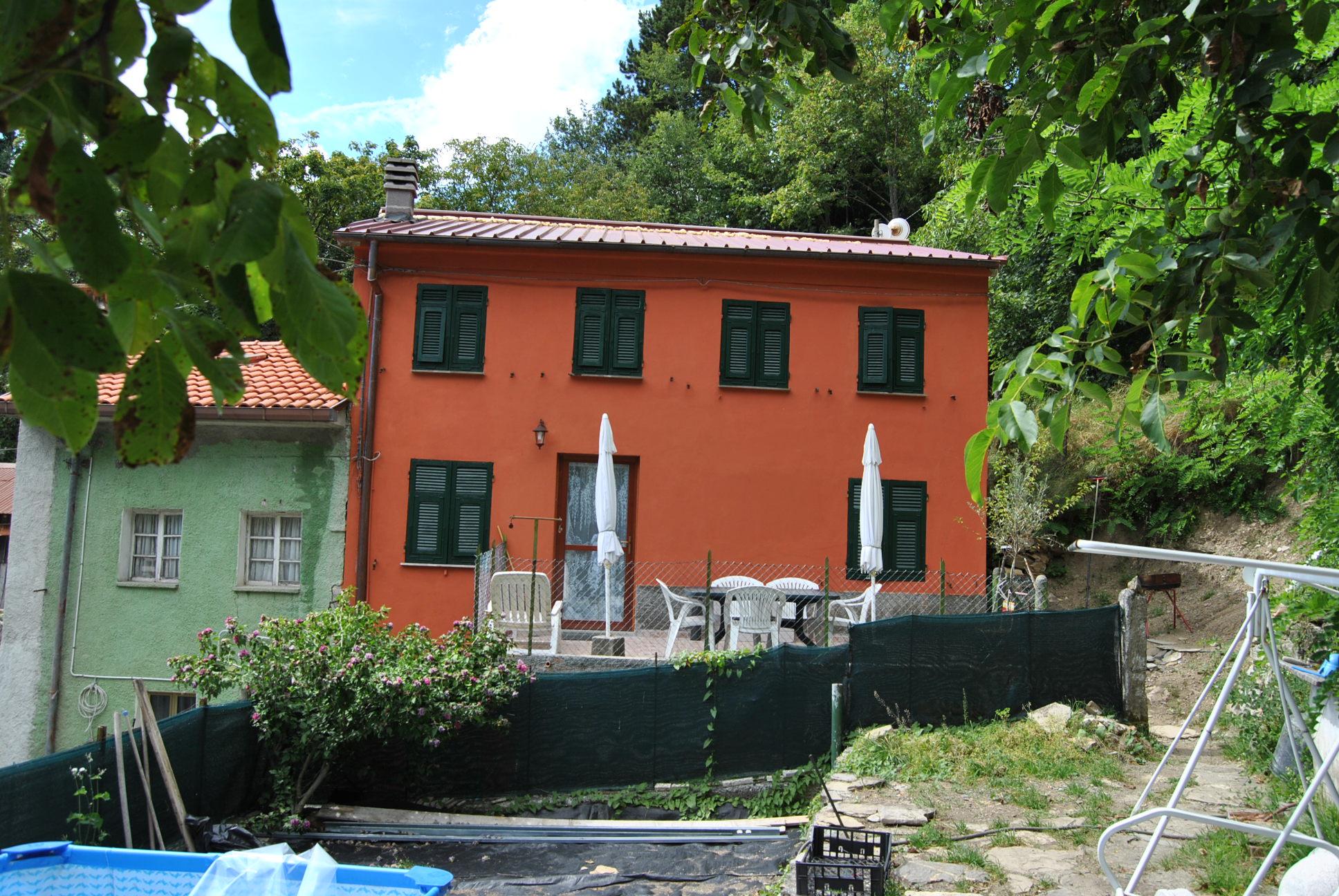 Rustico tornolo a408 alessandrini casa for Piani di casa con guest house annessa